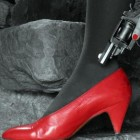 Christiane_S_la_chaussure_rouge